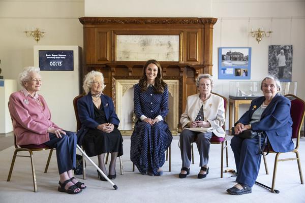 La Duchesse De Cambridge Visite Une Exposition à Bletchley