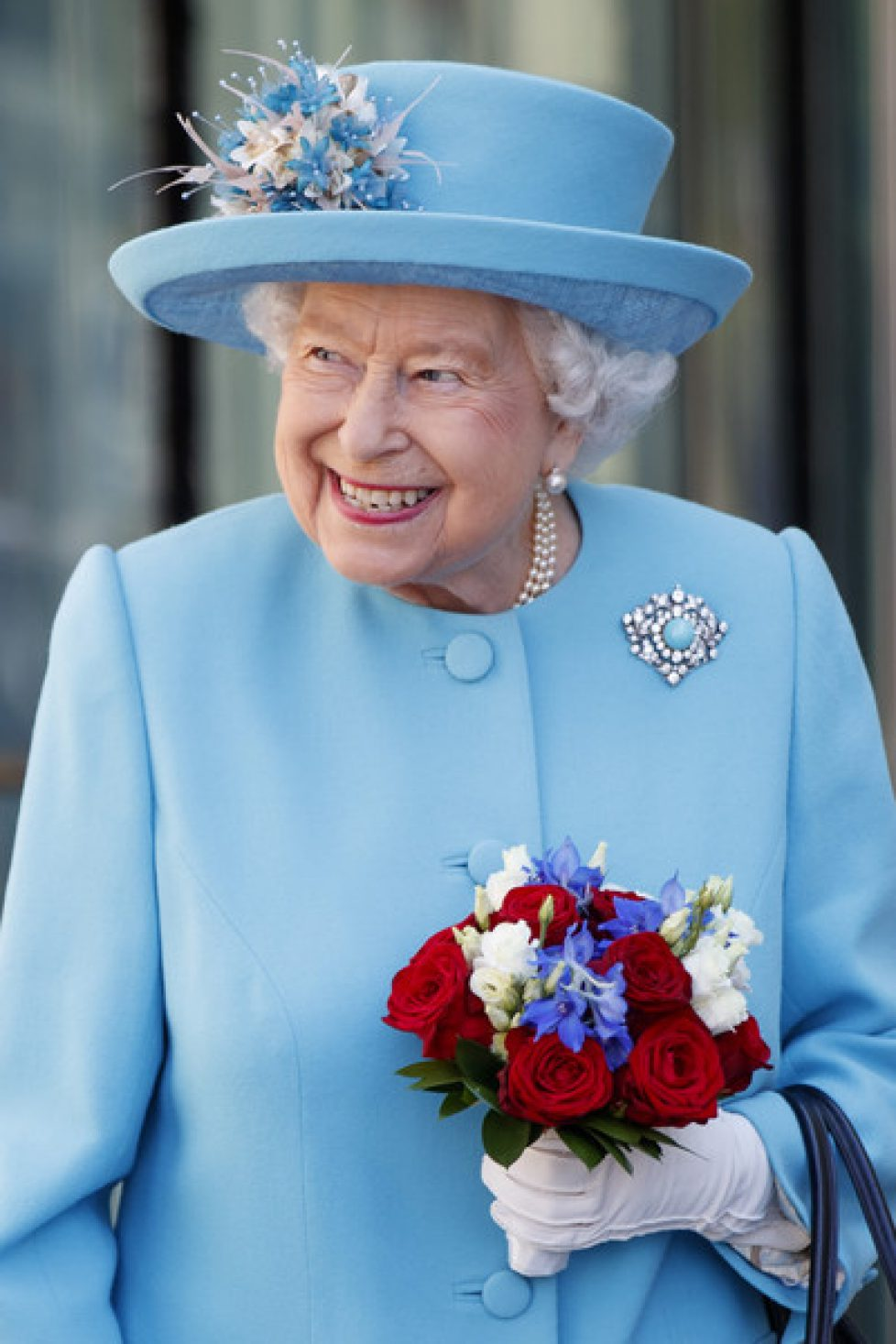 Queen+Visits+British+Airways+Headquarters+FCY31oZn5TZl