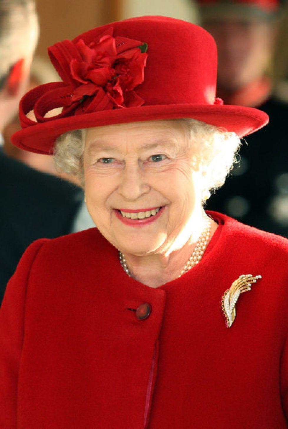 Queen+Visits+Newmarket+Animal+Health+Trust+LMXeiUHdiDwl