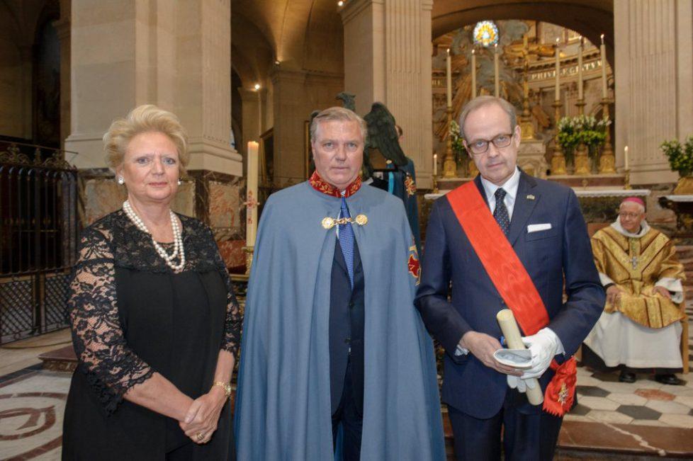 Le comte et la comtesse de Paris reçus dans l'Ordre Constantinien de Saint-Georges