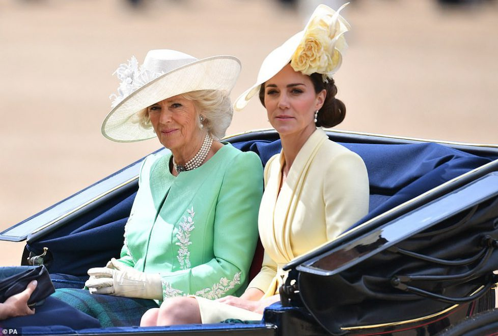 14530854-7118665-The_Duchess_of_Cambridge_pictured_beside_the_Duchess_of_Cornwall-m-170_1559994464461