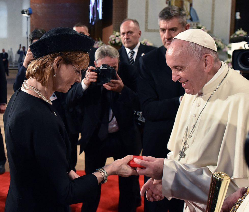Majestatea-Sa-Margareta-Papa-Francisc-Catedrala-Nationala-Principele-Radu-31-mai-2019-C