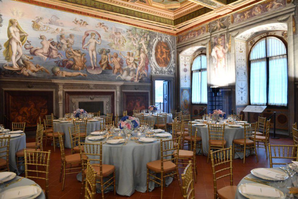 Salvatore+Ferragamo+Private+Dinner+Palazzo+-Hm_tlffk_al