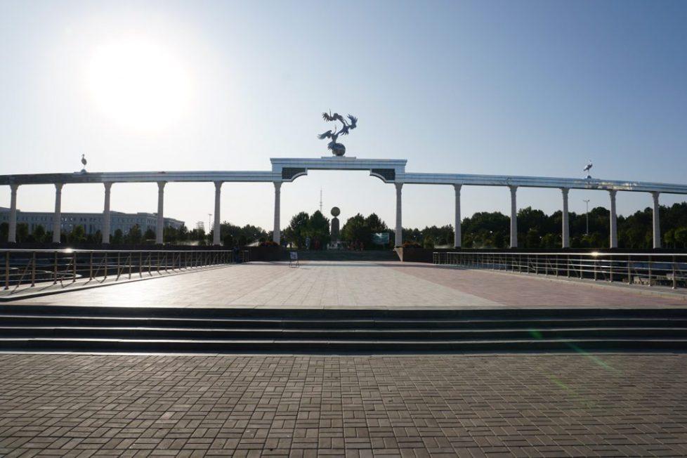 place-de-lindependance-tachkent-