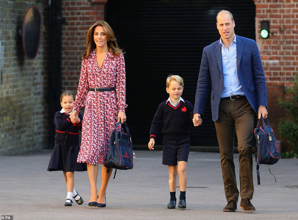 18095328-7430097-Princess_Charlotte_with_by_her_father_the_Duke_of_Cambridge_and_-m-64_1567668548471