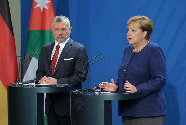 Merkel+Meets+Jordanian+King+Abdullah+wBrAcJ5_swRl