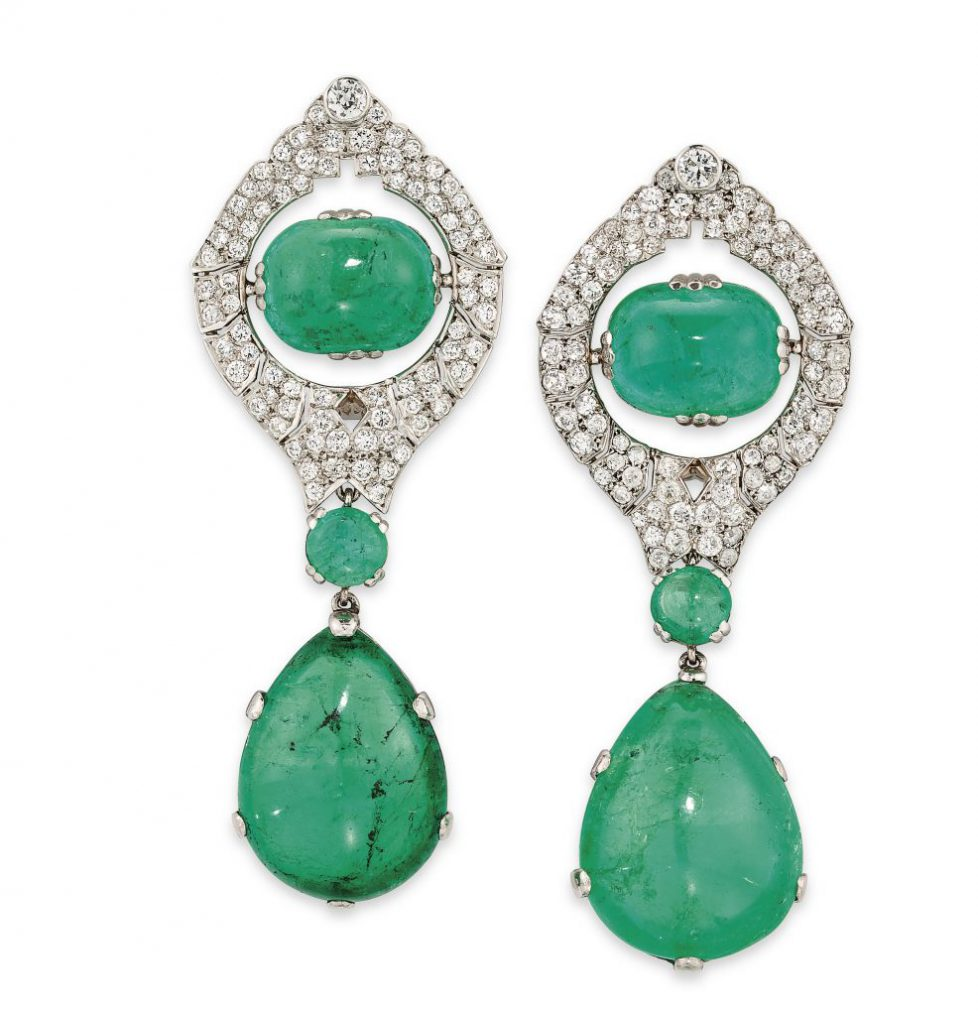 2019_CKS_17284_0352_000(art_deco_emerald_and_diamond_earrings)
