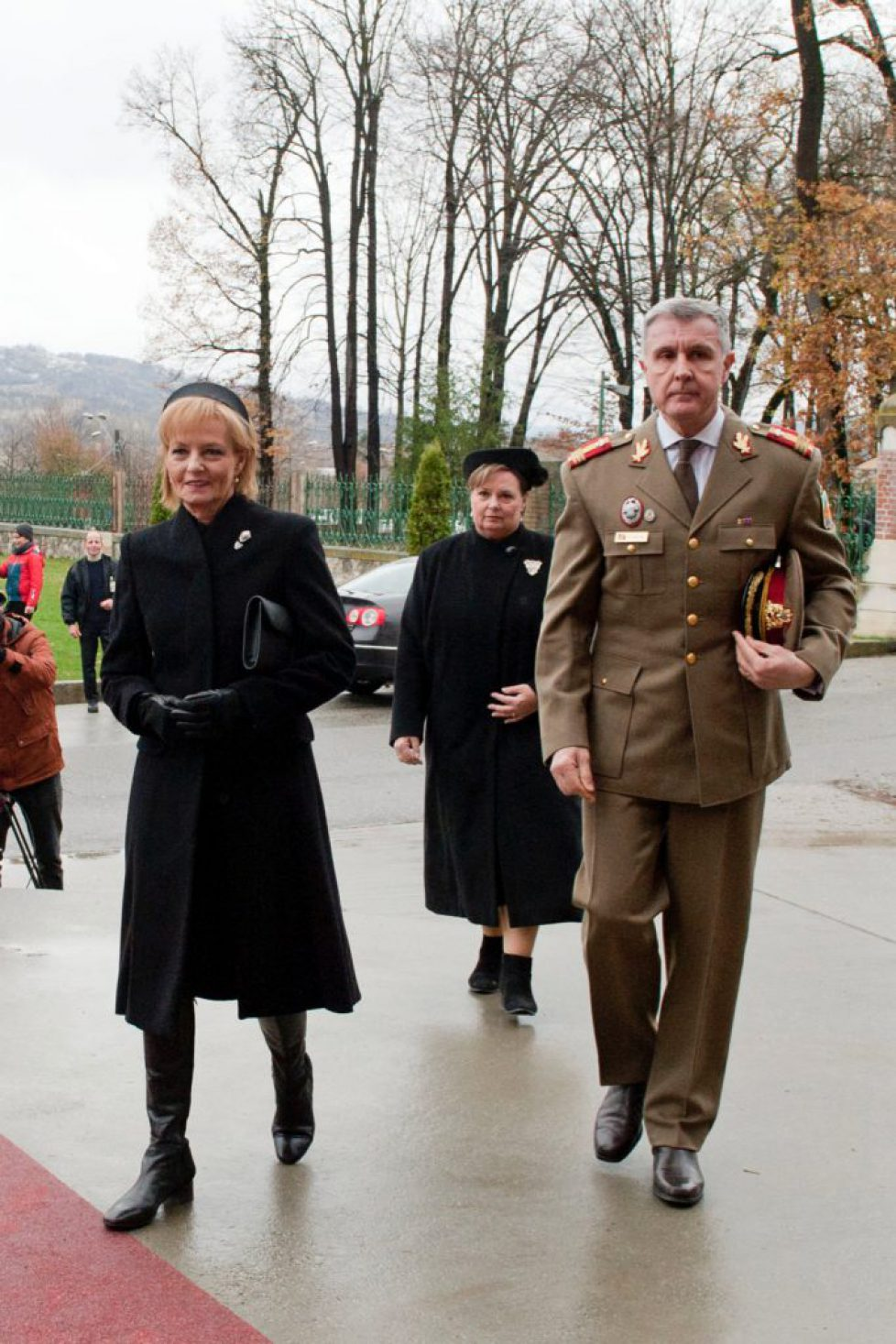 Majestatea-Sa-Margareta-Principele-Radu-Principesa-Sofia-Curtea-de-Arges-parastas-2-ani-Regele-Mihai-I_ANG3088