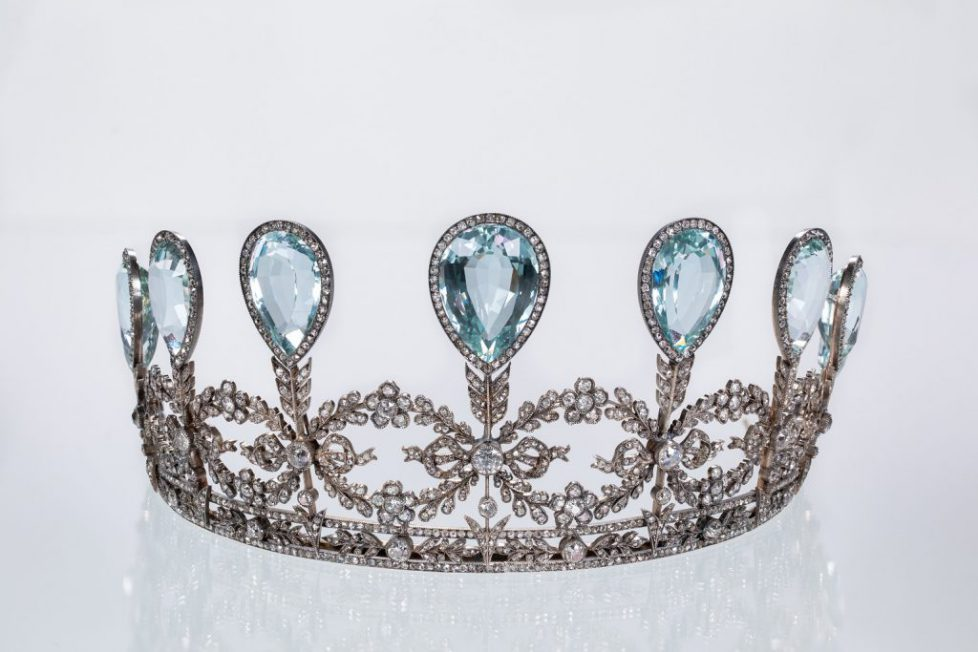 closeup-Aquamarine-Diamond-faberge-tiara