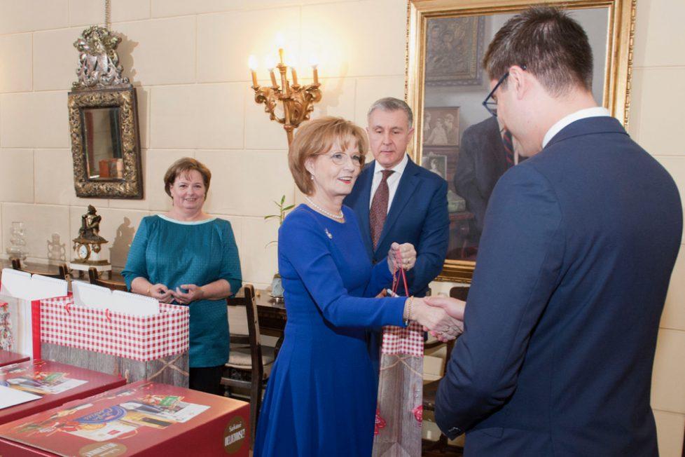 Majestatea-Sa-Margareta-Custodele-Coroanei-Principele-Radu-Principesa-Sofia-Palatul-Elisabeta-colinde-daruri-Craciun-16-decembrie-2019_ANG9891