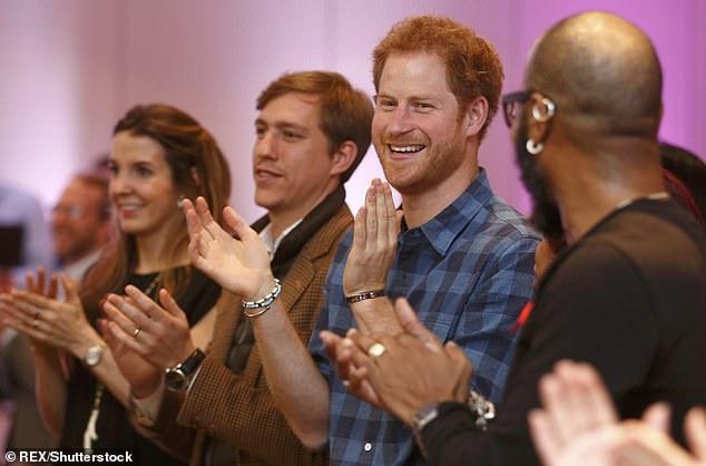 23682428-7911981-The_former_royal_shared_a_snap_as_she_stood_alongside_ex_husband-a-1_1579625586994