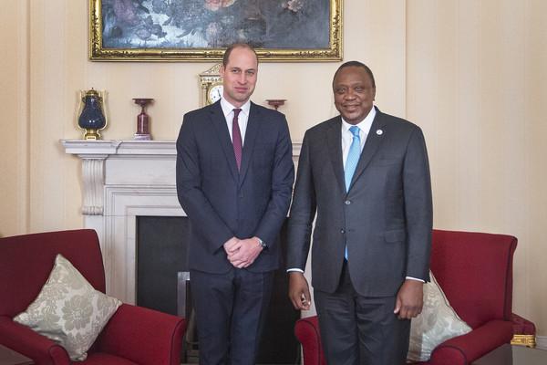 Duke+Cambridge+Hosts+Kenyan+President+Uhuru+r2DYUQ5vY8zl