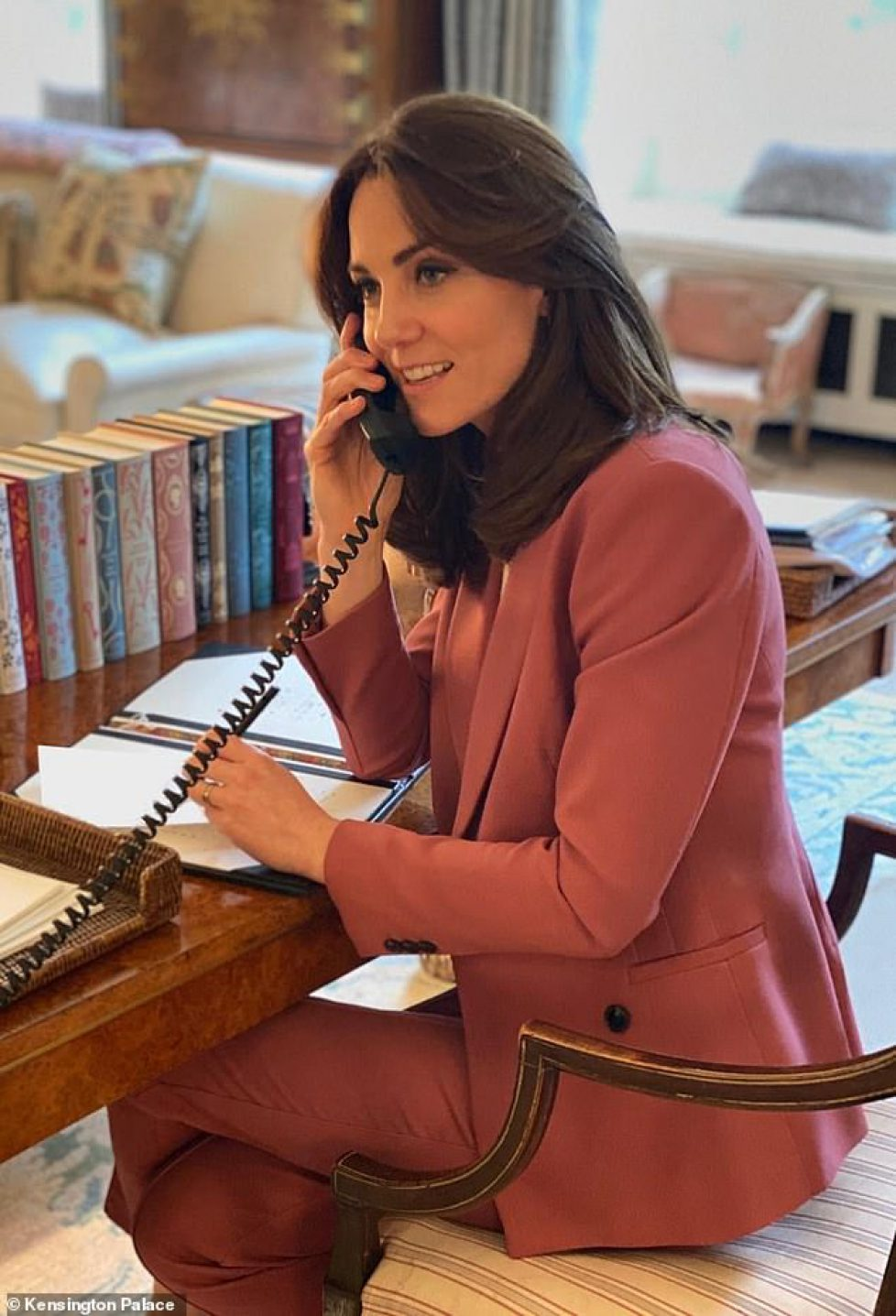 26537310-8164025-The_Duchess_of_Cambridge-a-74_1585441565076