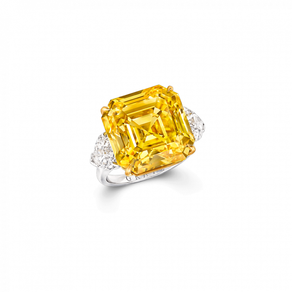 Graff-Yellow-Diamond-High-Jewellery_A-Yellow-and-white-diamond-ring-featuring-a-emerald-cut-Fancy-Vivid-Yell_GR50961