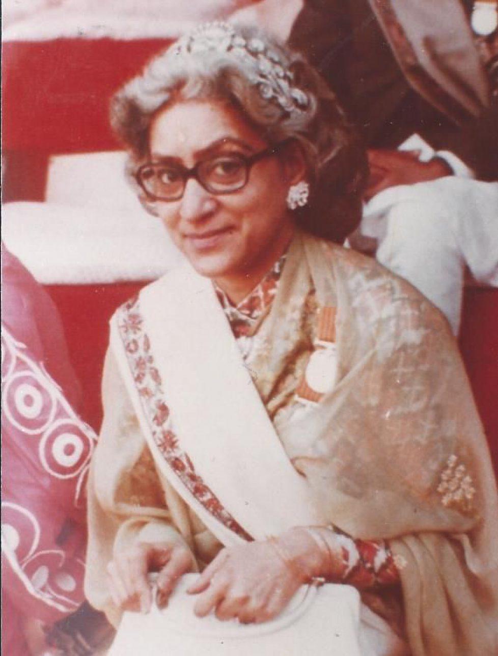 Couronnement du roi Birendra en 1975