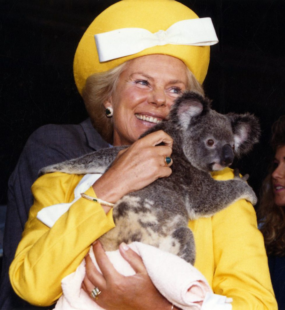 The_Duchess_of_Kent_with_koala_(cropped)