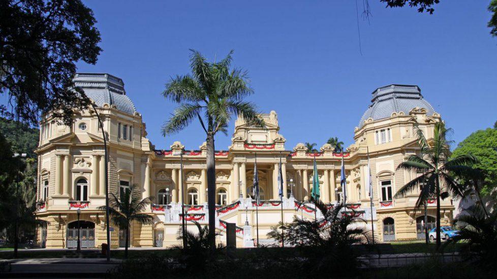 1920px-Palácio_Guanabara_em_Laranjeiras