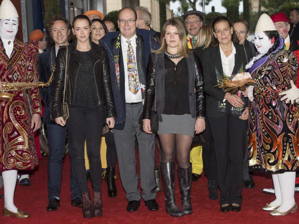 Stephanie-de-Monaco-Sortie-au-cirque-avec-ses-filles-Pauline-Ducruet-et-Camille-