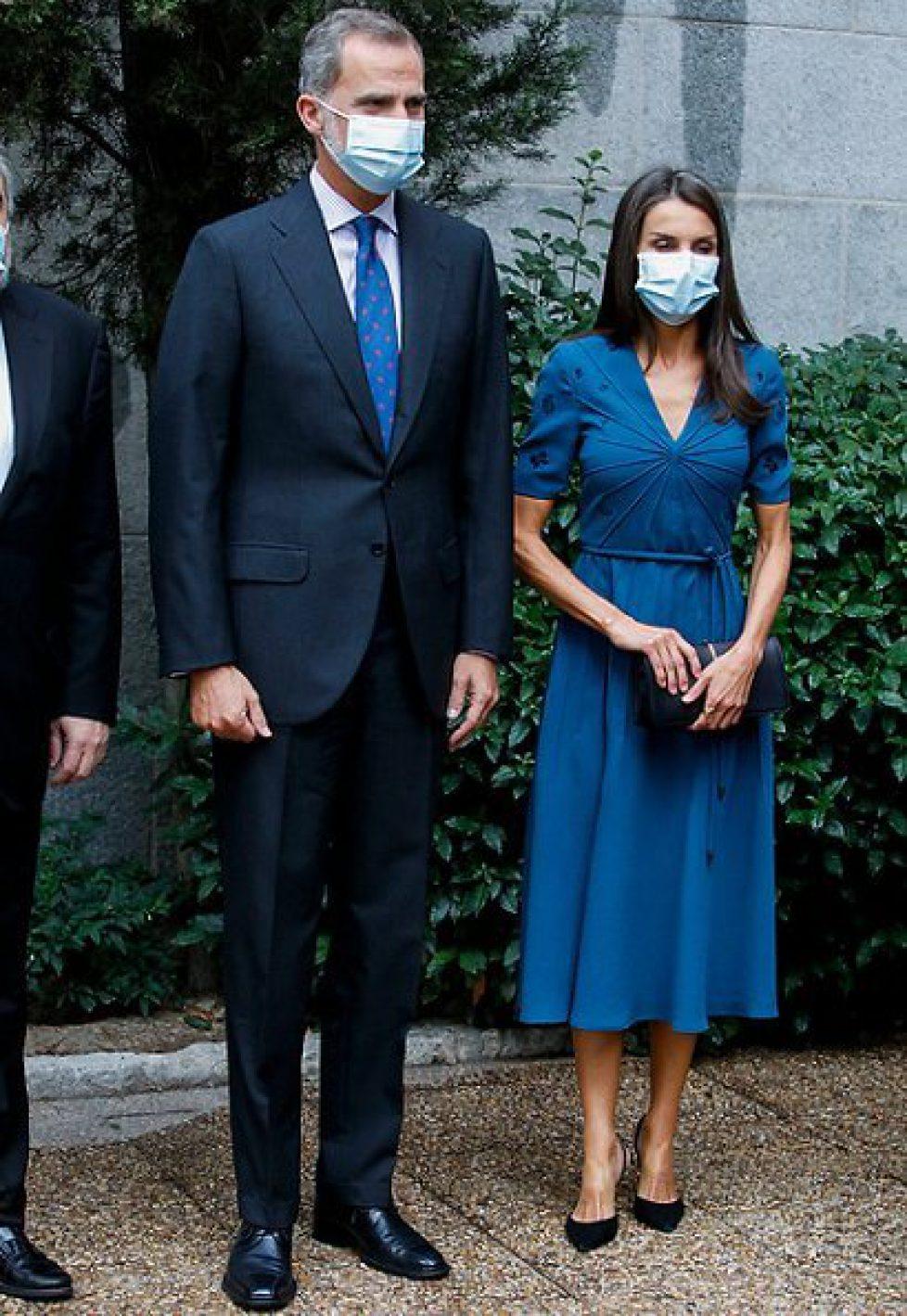 queen-letizia-in-bottega-veneta-dress-9
