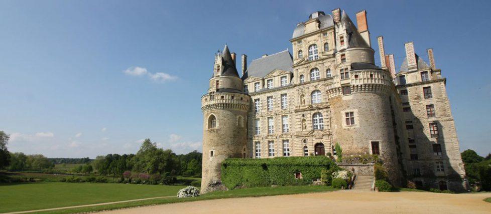 chateau-brissac-facade-est
