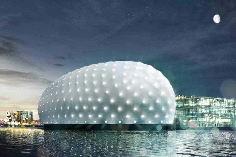 docking_the_amsterdam_copyright_zja_jpg_mediaclass_carousel_big_43ec142639ef8d13fa10e99fe3672c3a21da2a53__jpg_3461_north_655x437_transparent