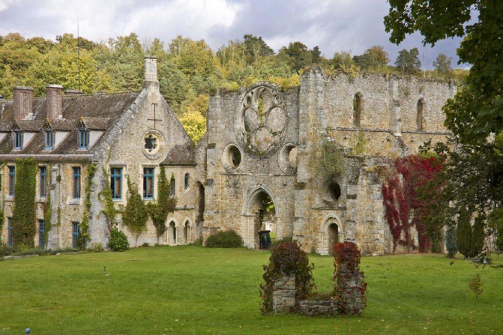 Abbaye-des-Vaux-de-Cernay-Exterieur 1
