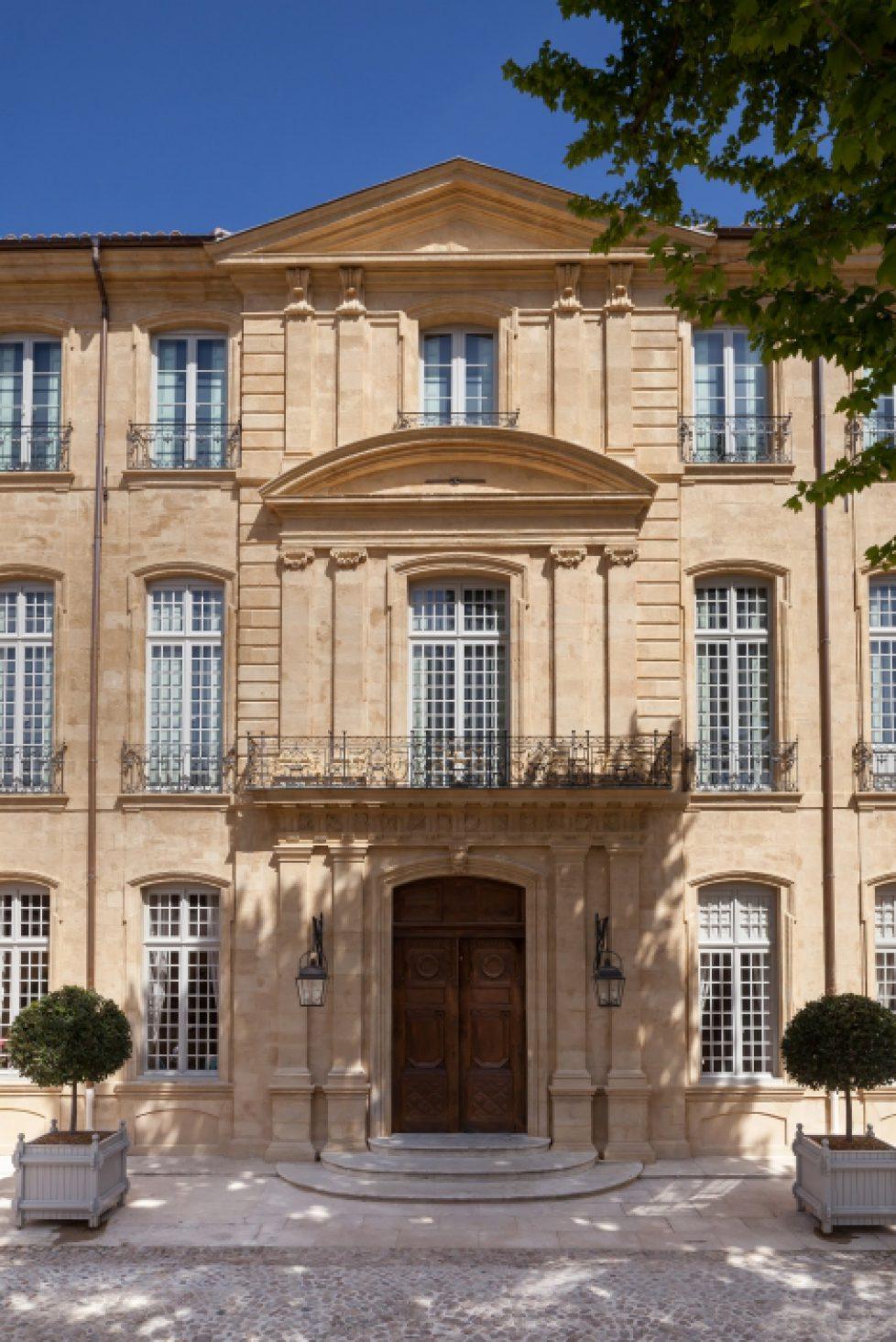 05._facade_de_la_cour_d_honneur_-_c_s._lloyd