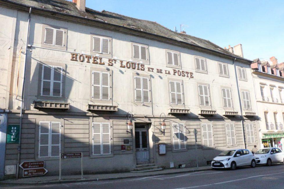 l-hotel-saint-louis-sera-mis-en-vente-en-septembre-photo-d-archives-le-jsl-1564823134