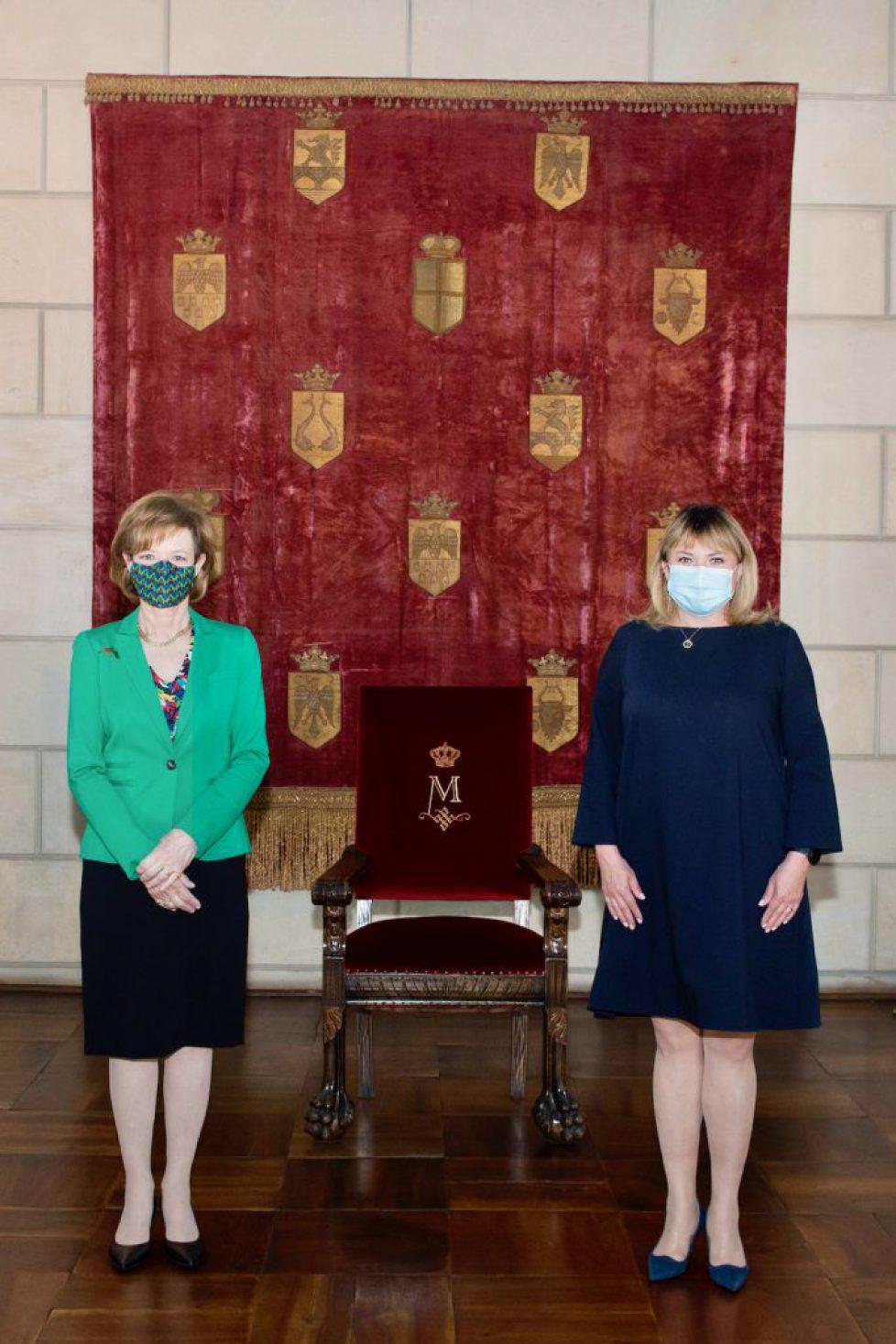 Majestatea-Sa-Margareta-Custodele-Coroaneii-Anca-Dragu-Presedinta-Senatului-Romaniei-Palatul-Elisabeta