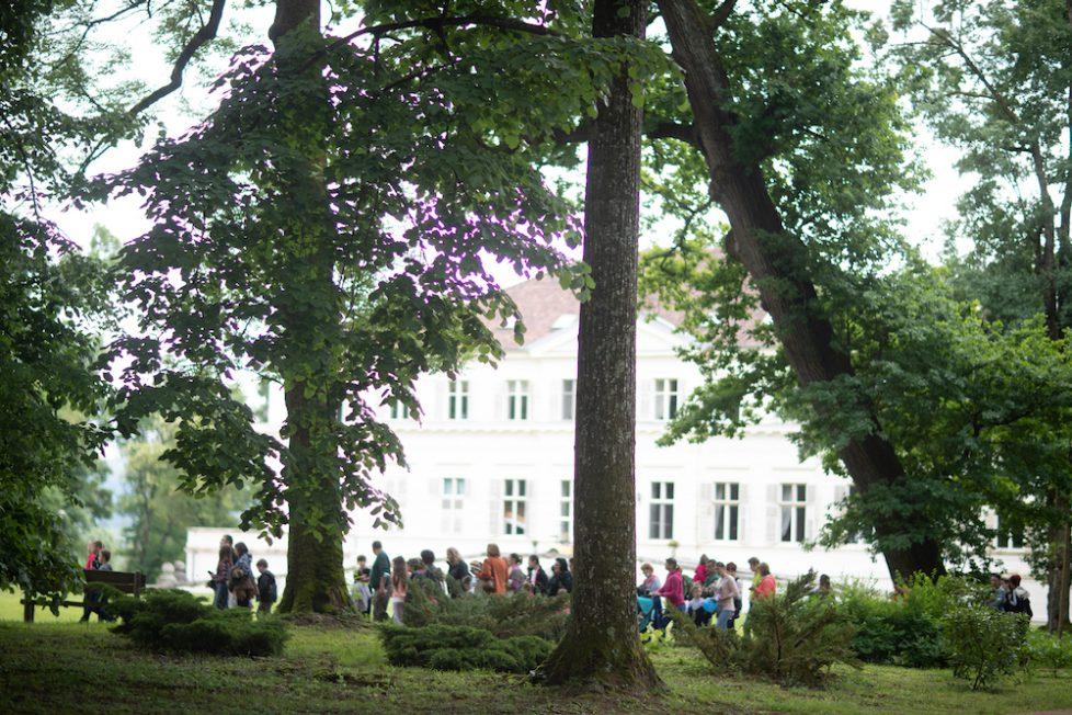 J-202161-Ziua-Copilului-Castelul-Savarsin-Majestatea-Sa-Margareta-Principele-Radu-foto-Cristian-Coposesc-9Y7A7084
